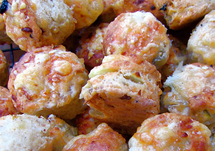 Tiny Cheese and Olive Scones